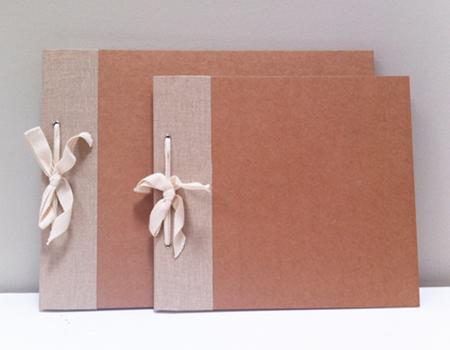 2027005-6 Cuaderno Álbum con lazo
