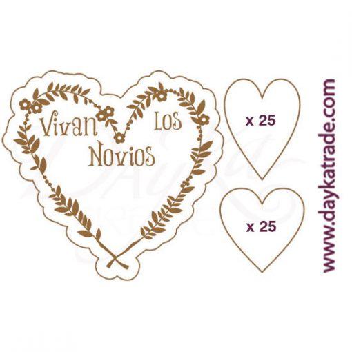 """Etiqueta de tablero lacado blanco con mensaje grabado """"Vivan los novios""""."""