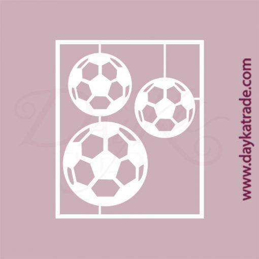Set de 3 balones de fútbol en cartón fino blanco, flexible y adaptable a todas las superficies. Se puede pegar y pintar fácilmente. Se utiliza en vidrio, para trabajos de scrapbooking, pegar en mueble, marcos...