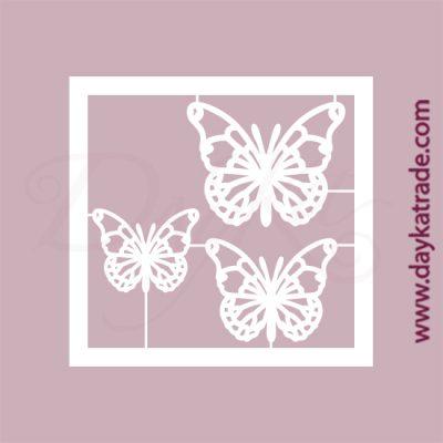 Trío de mariposas en cartón fino blanco, flexible y adaptable a todas las superficies. Se puede pegar y pintar fácilmente. Se utiliza en vidrio, para trabajos de scrapbooking, pegar en mueble, marcos...