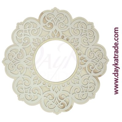 Flower filigree frame in poplar wood and white lacquered Dayka board