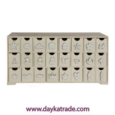 Pack que incluye la mini cajonera referencia 0431014 compuesta de 24 cajones, y 25 unidades de cada una de las referencias del BLC-93 al BLC-116.