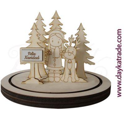 """Set niña con cartel """"FELIZ NAVIDAD"""" con reno y abetos y renos con peana en madera de chopo de Dayka Trade. Decoración Navidad"""