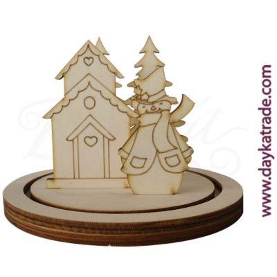Set muñeco de nieve con casita con peana Dayka Trade. Decoración Navidad