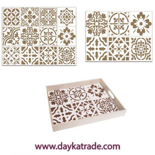 BLC-04030234 Placas de baldosas hidráulicas en tablero lacado Dayka. Está pensado para colocarlas en el set de bandejas de madera con referencia 04030234 como está indicado en la foto. Se decora con pinturas acrílicas o de Tiza ARTIS. Es muy fácil.