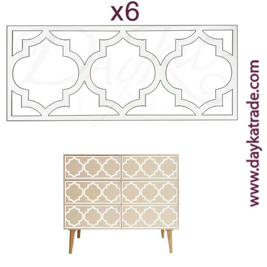 Set de 6 apliques para mueble en tablero lacado Dayka. Están pensado para colocarlos en los cajones del mueble con referencia 1628052 como está indicado en la foto. Se pega en los cajones una vez pintado en mueble.